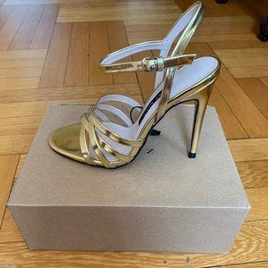 NWT Gold Zara Heels